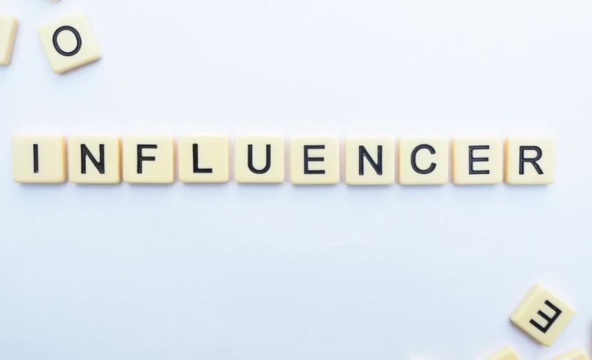 Cum sa gasesti cei mai potriviti influenceri pentru afacerea ta