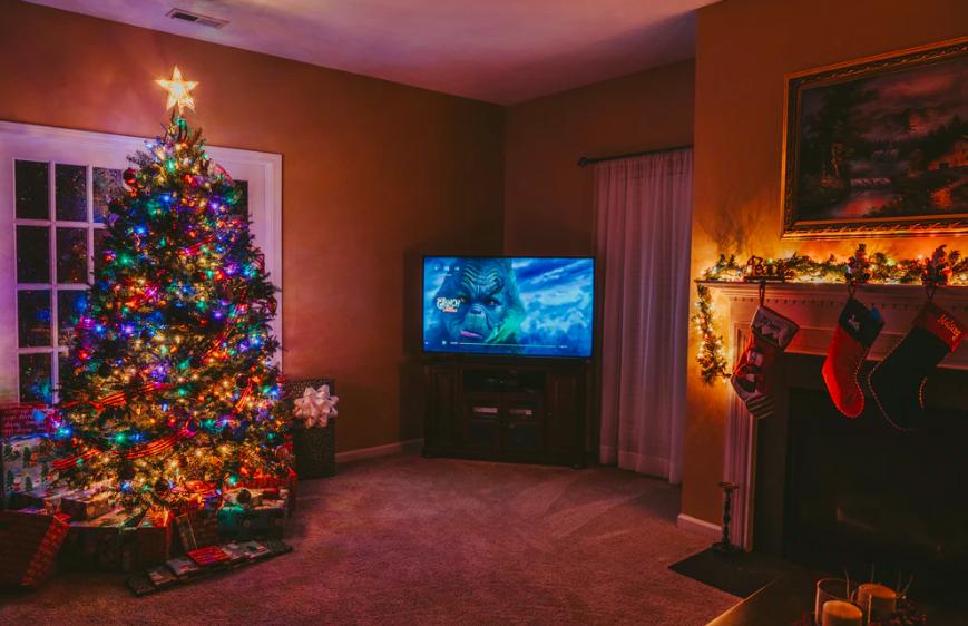 """Programe TV de Crăciun - Filme şi concerte, maraton """"Friends"""", documentare şi meciuri din Premier League"""