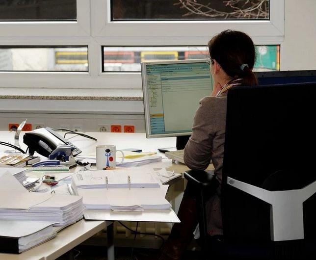 Peste un milion de angajati din economia autohtona risca sa intre in somaj