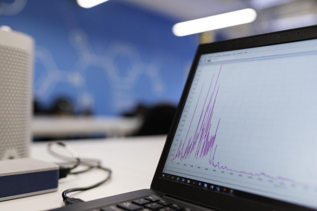 De ce software-ul de monitorizare a angajatilor este util atat pentru munca de la distanta, cat si pentru birou